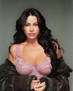 Пышная грудь Софии Вергары фото #1