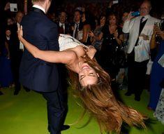 София Вергара засветила сиську на церемонии Emmy Award фото #1