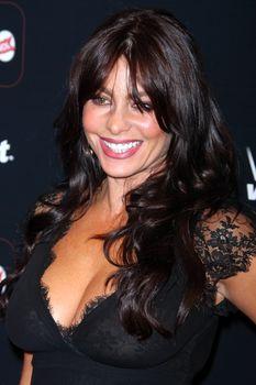 София Вергара засветила соски на церемонии People En Español – 50 Most Beautiful фото #4