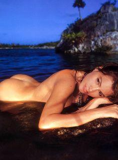 Обнаженная София Вергара в ярком образе фото #3