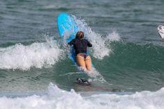 Хилари Дафф гуляет в купальнике по пляжу на Гавайях фото #19