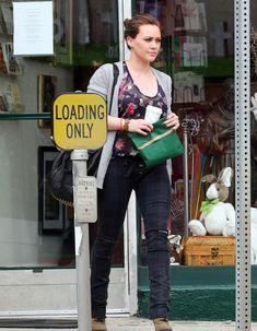Хилари Дафф в прозрачной блузке в Голливуде фото #3