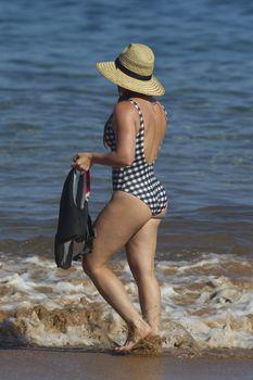 Красотка Хилари Дафф в сексуальном купальнике в Мауи фото #7