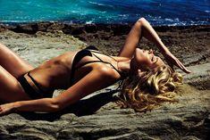 Эльза Хоск в эротическом купальнике для GQ фото #3