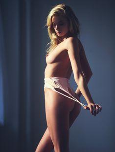Эльза Хоск голышом для Lui фото #4