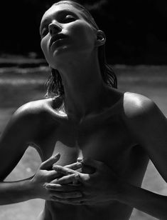 Эльза Хоск разделась для Madame Figaro фото #9