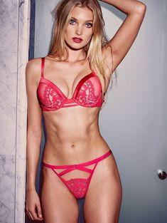 Пикантный образ Эльзы Хоск в белье от Victoria's Secret фото #5