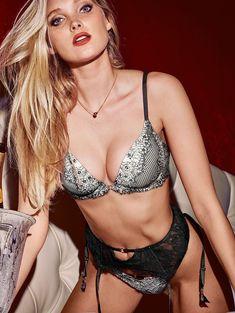 Пикантный образ Эльзы Хоск в белье от Victoria's Secret фото #19
