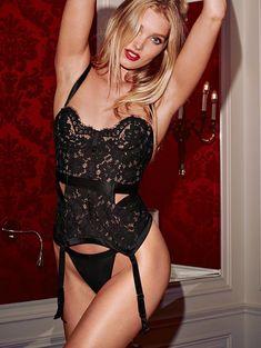 Пикантный образ Эльзы Хоск в белье от Victoria's Secret фото #27