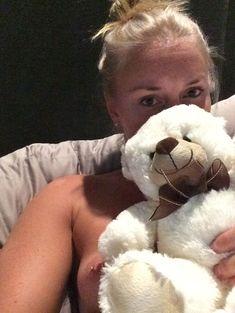 Украденные домашние фото с голой Линдси Вонн фото #10