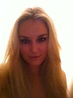 Украденные домашние фото с голой Линдси Вонн фото #24