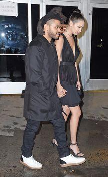 Крупные соски Беллы Хадид на Fashion Show в Нью-Йорке фото #6