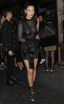 Возбуждённые соски Беллы Хадид на Balmain Fashion Show After-party in Paris фото #2