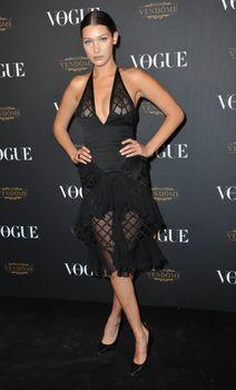 Белла Хадид в прозрачном платье на Vogue's 95th Anniversary Party фото #2