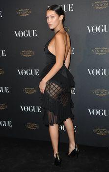 Белла Хадид в прозрачном платье на Vogue's 95th Anniversary Party фото #3