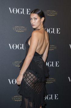 Белла Хадид в прозрачном платье на Vogue's 95th Anniversary Party фото #5