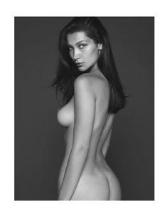 Белла Хадид снялась без одежды для французского Vogue фото #2
