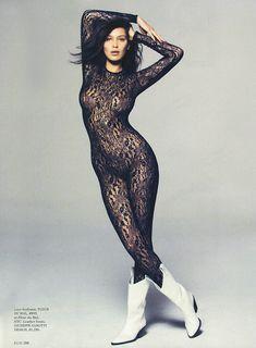 Эро фотосессия Беллы Хадид для Elle фото #1