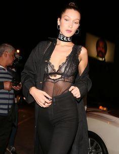 Соски Беллы Хадид под прозрачным платьем в Западном Голливуде фото #3