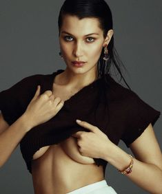 Эротические фото Беллы Хадид для испанского журнала  Harper's Bazaar фото #1