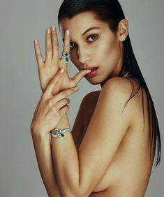 Эротические фото Беллы Хадид для испанского журнала  Harper's Bazaar фото #3