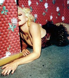 Горячая фотосессия Мадонны для журнала Details фото #8