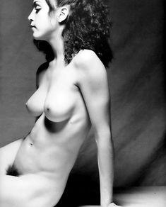 Голая киска Мадонны в откровенной фотосессии фото #1