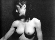Голая киска Мадонны в откровенной фотосессии фото #6