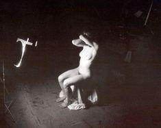 Голая киска Мадонны в откровенной фотосессии фото #12