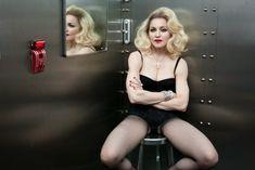 Мадонна позирует в откровенном наряде для журнала W фото #9