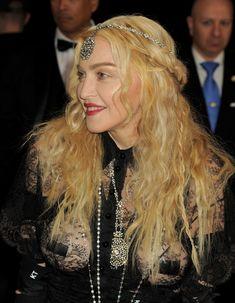Прозрачное платье Мадонны на Givenchy At Met Gala фото #2