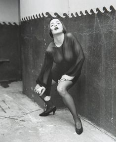 Через прозрачную блузку Мадонны видно голую грудь фото #2