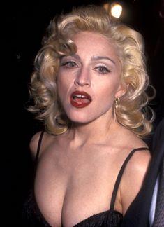 Мадонна в платье с открытым декольте на Tribute to Andrew Lloyd Weber фото #2