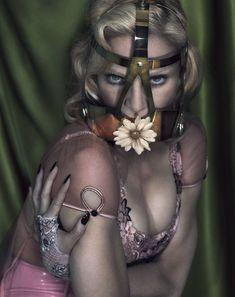Мадонна оголилась для журнала Interview фото #5