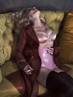 Мадонна оголилась для журнала Interview фото #7