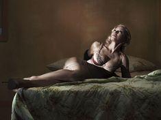 Мадонна оголилась для журнала Interview фото #10