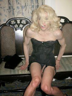 Мадонна продемонстрировала голую грудь для L'Uomo Vogue фото #6