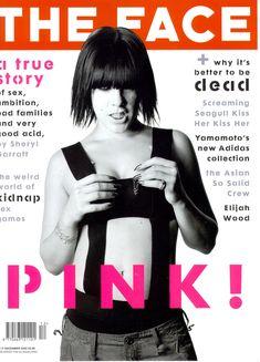Сочные сосочки Пинк под прозрачной блузкой в журнале The Face фото #1