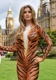 Сексуальная тигрица Джоанна Крупа фото #6