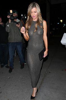 Джоанна Крупа в платье без лифчика в Западном Голливуде фото #4