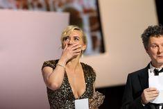 Кэйт Уинслет в платье с глубоким декольте на Cesar Awards фото #2