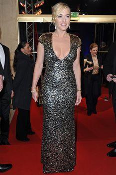 Кэйт Уинслет в платье с глубоким декольте на Cesar Awards фото #3