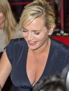 Сексуальное декольте Кэйт Уинслет на Toronto International Film Festival фото #1