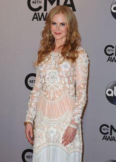 Николь Кидман засветила голую грудь на 48th Annual CMA Awards фото #7