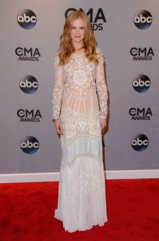 Николь Кидман засветила голую грудь на 48th Annual CMA Awards фото #9