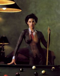 Раздетая Деми Мур в нарисованном костюме фото #2