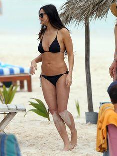 Деми Мур в бикини отдыхает в Мексике фото #3