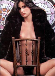 Обнажённая Деми Мур позирует для порнографического журнала Oui фото #2