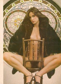 Обнажённая Деми Мур позирует для порнографического журнала Oui фото #9