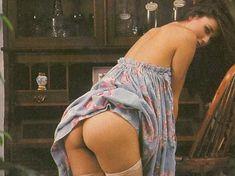 Обнажённая Деми Мур позирует для порнографического журнала Oui фото #15